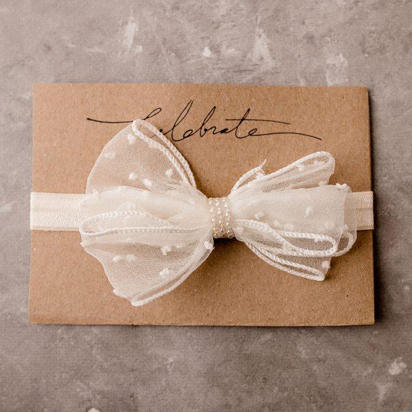 white sheer bow cake smash brisbane