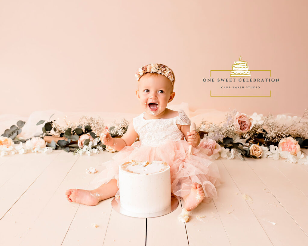 whimsical cake smash photographer